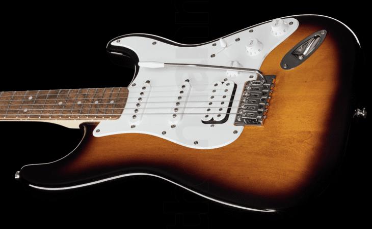 Fender Squier Bullet Strat HSS schräg