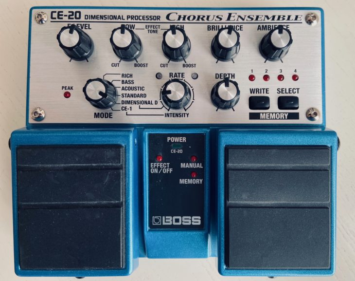 Das Boss-Doppelpedal CE-20.