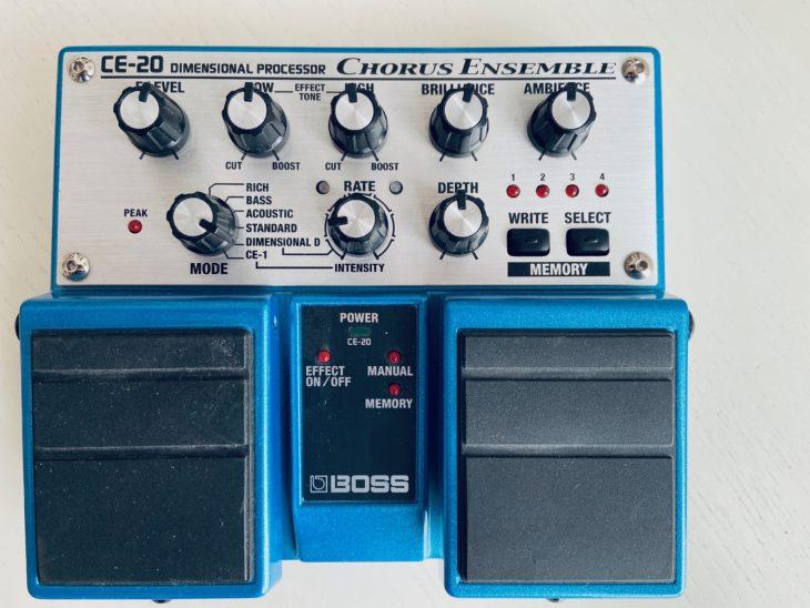 Das Boss CE-20 ist ein Doppelpedal mit Speicherplätzen
