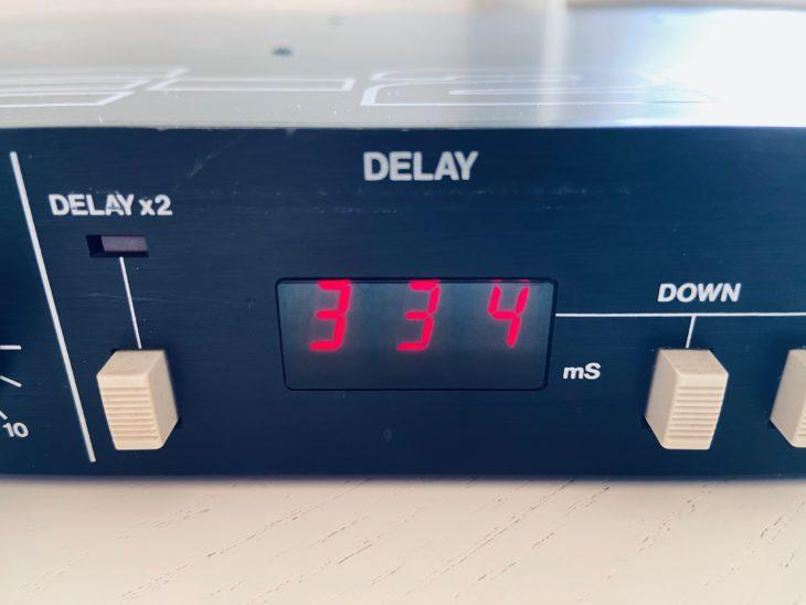 Das Display des Echogeräts benötigt nur drei Stellen.