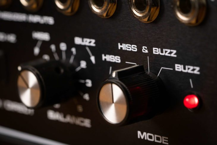 Moog 16 Channel Vocoder Hiss Buzz