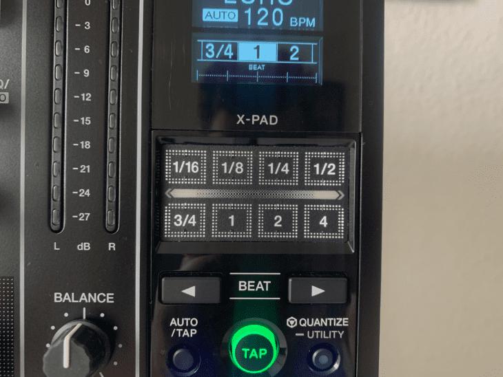 Das X-Pad des Pioneer DJM-900NXS2 Das Y-Pad des Denon X1850 Prime 4-Kanal DJ-Mixer.