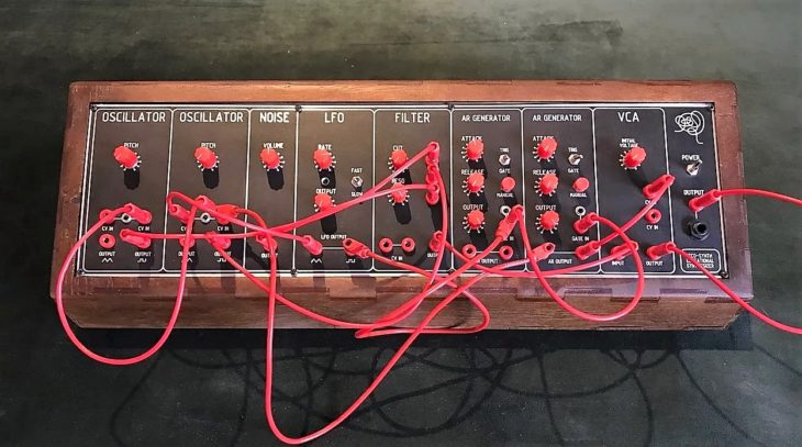 Reco-Synth Educacional Synthesizer 1