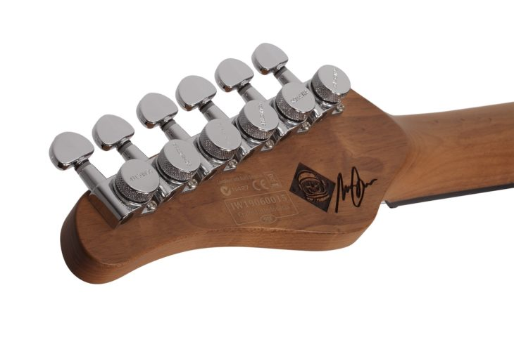 Schecter Nick Johnston Traditional SSS Tuner