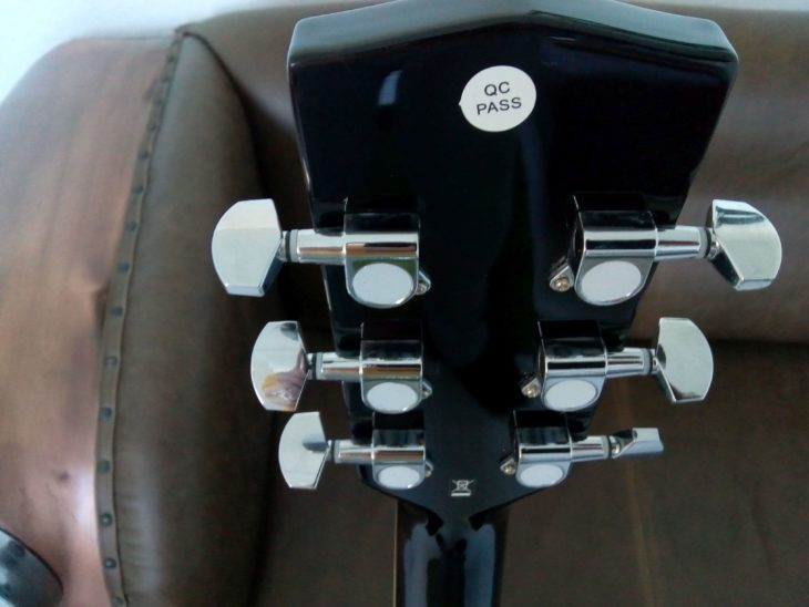 Im Test: Harley Benton D-120 CE Black
