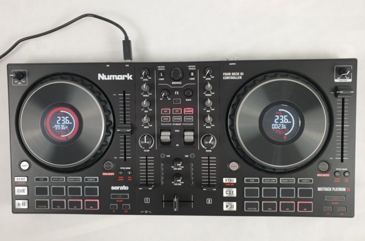 Draufsicht: Numark Mixtrack Platinum FX