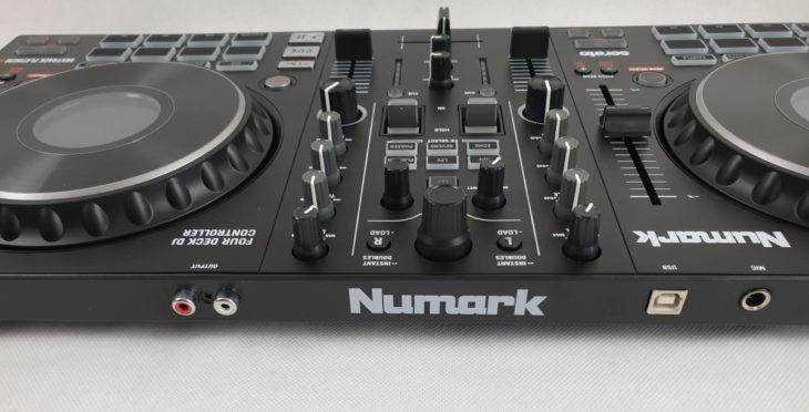 Rückseite: Numark Mixtrack Platinum FX