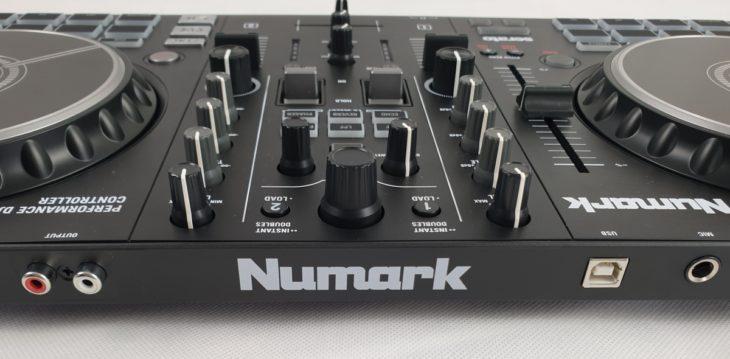 Review: Numark Mixtrack Pro FX DJ-Controller