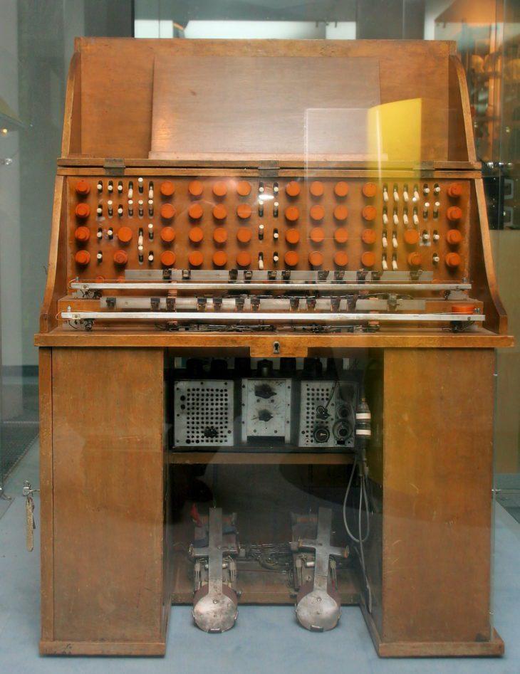 Das Mixtur-Trautonium im Deutschen Museum Bonn