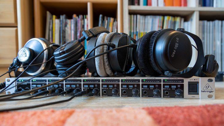 Behringer HA8000 und 4 Kopfhörer