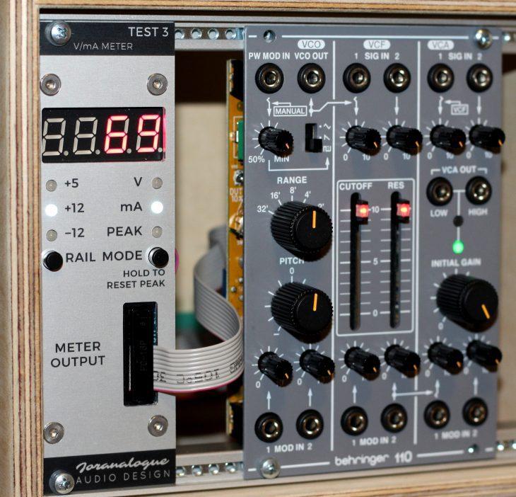 Behringer System 100 Behringer 110 VCO VCF VCA Synth Voice Userbild Stromaufnahme mit Test3