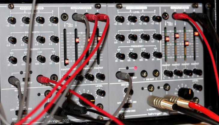 Behringer System 100 Modul 305 Userbild beide Module verpatcht