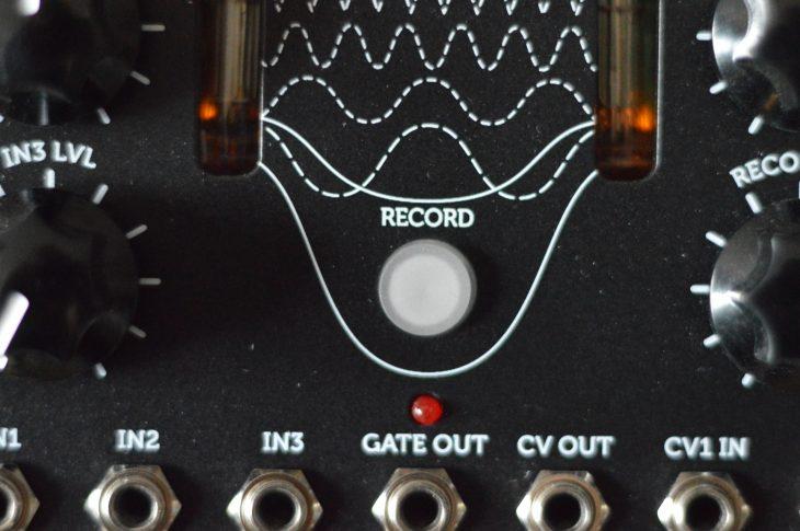 Erica Synths/Liquid Sky Dada Noise System 2 Mit dem Record Button kann man Filterfahrten aufnehmen