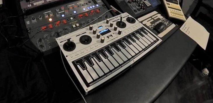 future retro vectra synthesizer keyboard