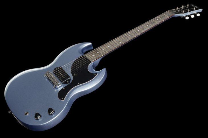 Test: Harley Benton DC-60 Junior Pelham Blue, E-Gitarre