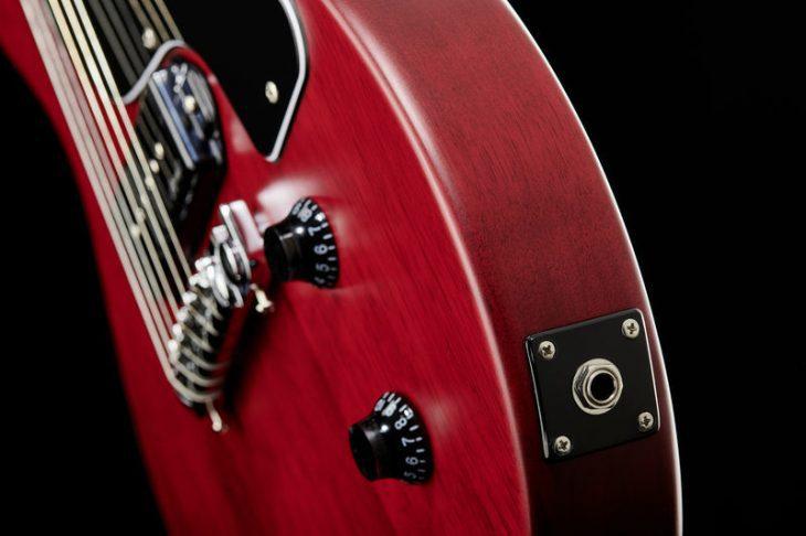 Harley Benton DC-Junior FAT E-Gitarre