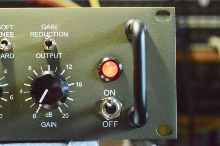 JDK Audio COMP-R22 - Pilotlicht