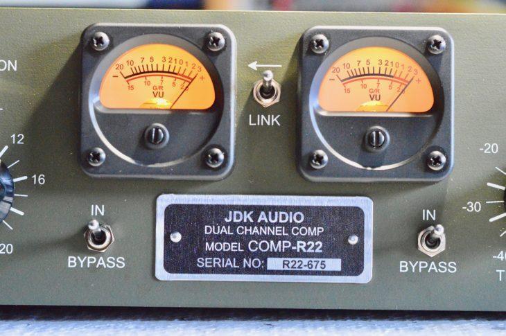 JDK Audio COMP-R22 - VU-Meter