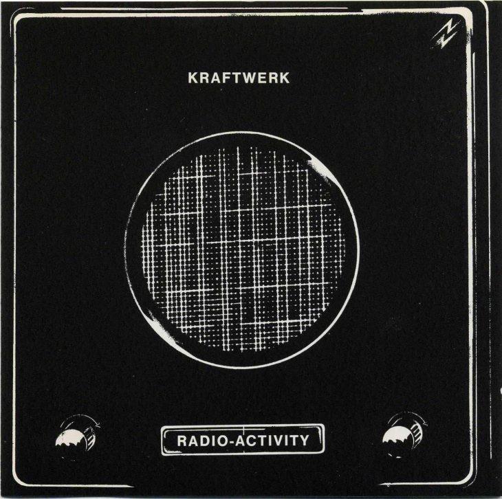 Kraftwerk - Radio Aktivität