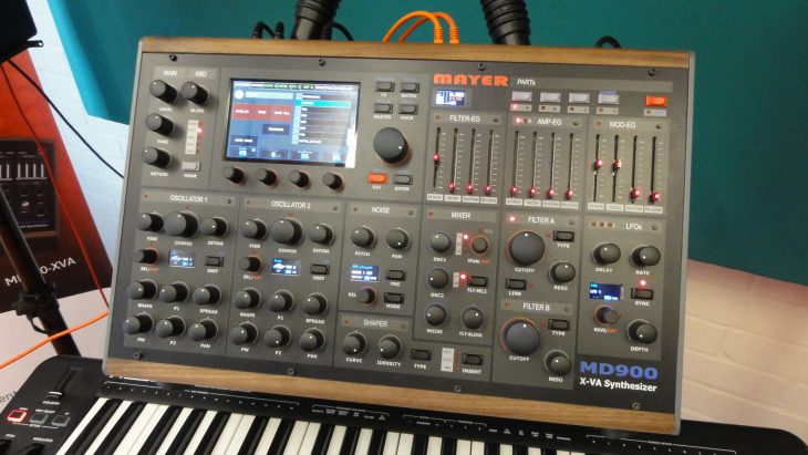 Mayer RD900 va-synthesizer front black