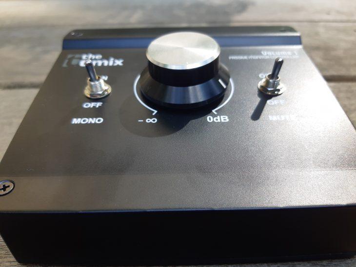 Monitor Controller