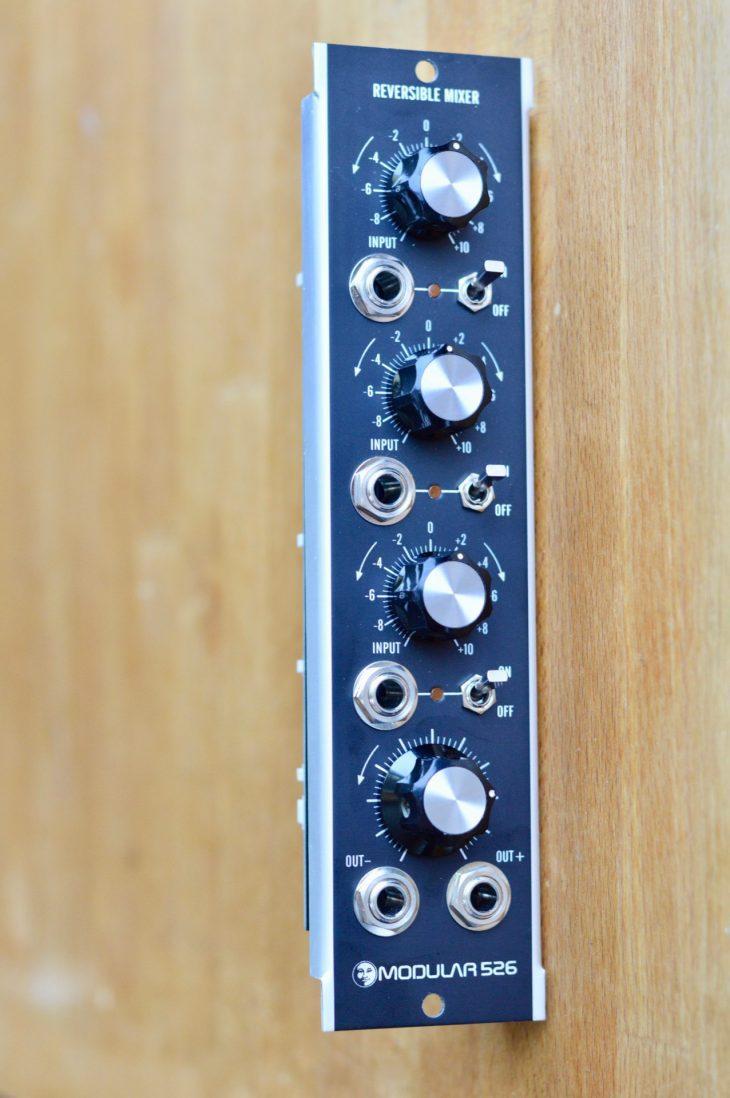 Moon Modular - Reversible Mixer 526 Vorne