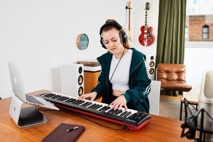 nektar se61 midi keyboard