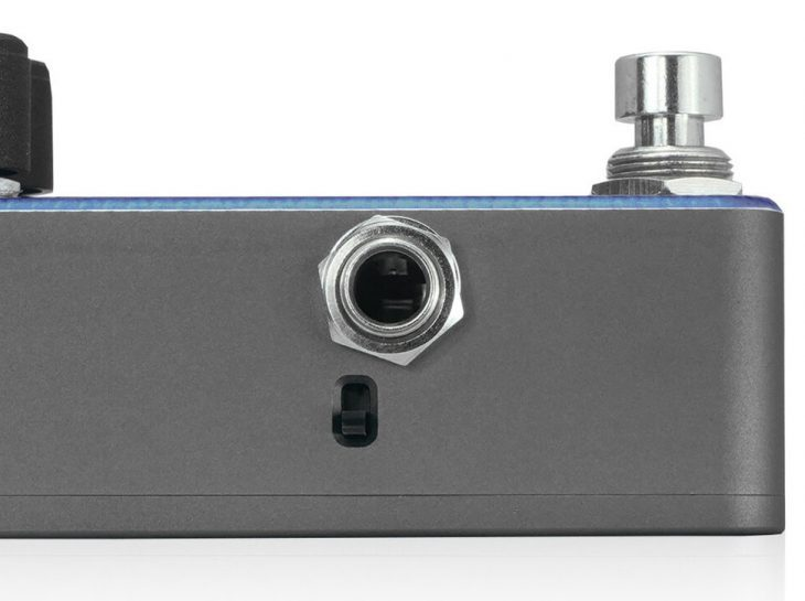 Prussian Blue Reverb switch