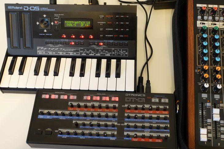 Roland D-05 mit Dtronics DT-01
