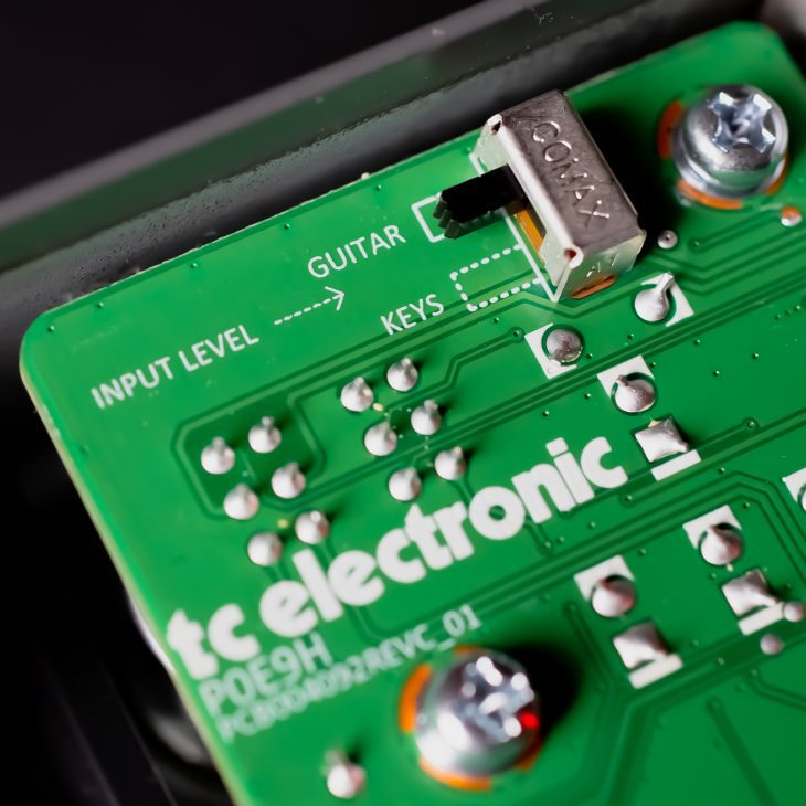 tc electronic june-60 v2 chorus pedal board