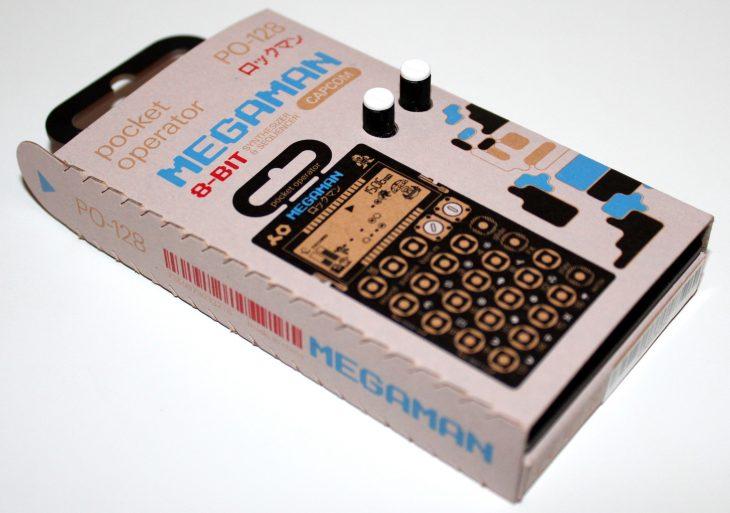 Teenage Engineering Pocket Operator 128 Megaman Userbild Eingepackt seitlich von links