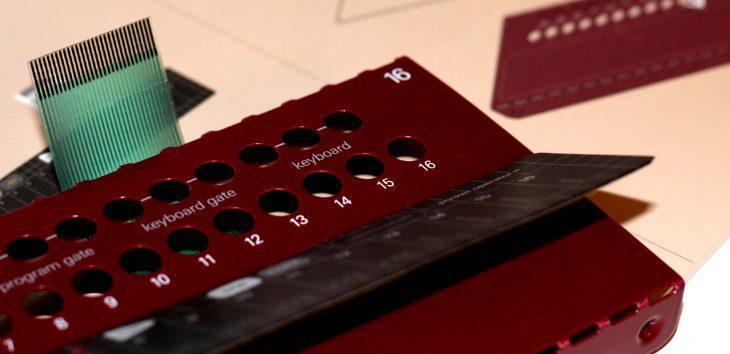 Teenage Engineering Pocket Operator Modular POM16 Touchkeyboard Sequencer Userbild Detail Zoom Touchfläche