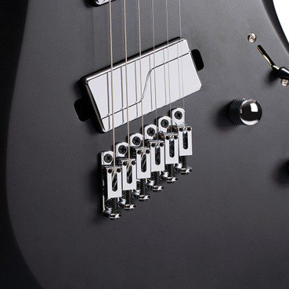 Test: Cort X700 Mutility Multiscale E-Gitarre