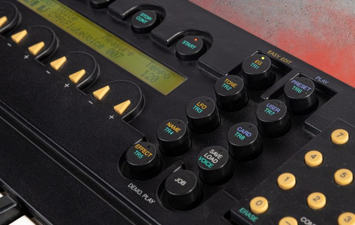 Yamaha YS-200 - Die Taster sind schön anzusehen, klackern aber bei jeder noch so kleinsten Berührung