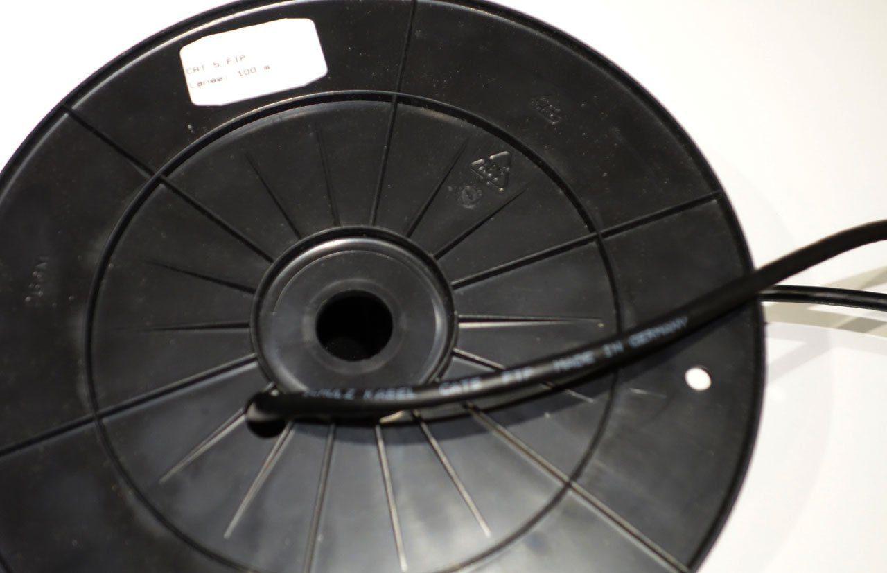 sch n differenz zwischen stromf hrendem kabel und neutralem kabel fotos der schaltplan. Black Bedroom Furniture Sets. Home Design Ideas