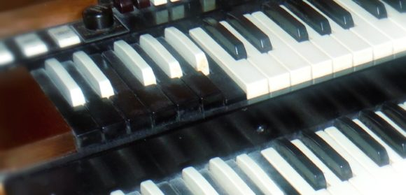 Hammond B3 close up Ausschnitt edited