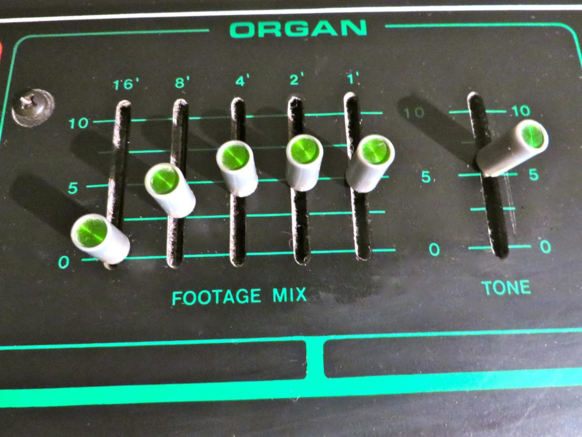 Die Orgelsounds können durch das Moogfilter aufgepeppt werden
