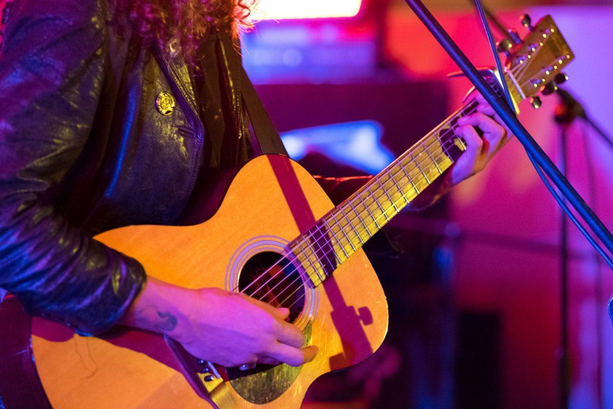 akustik-gitarre-live