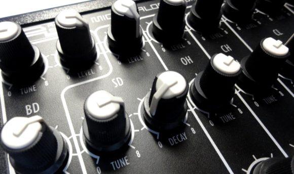avp-mad-5-knobs-3