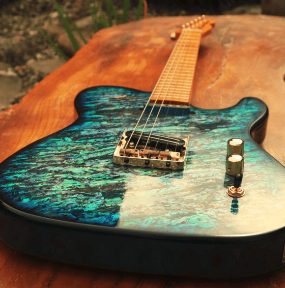 Pearlvibe Guitars Blue Bayou 2