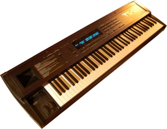 Ensoniq TS12 Synthesizer