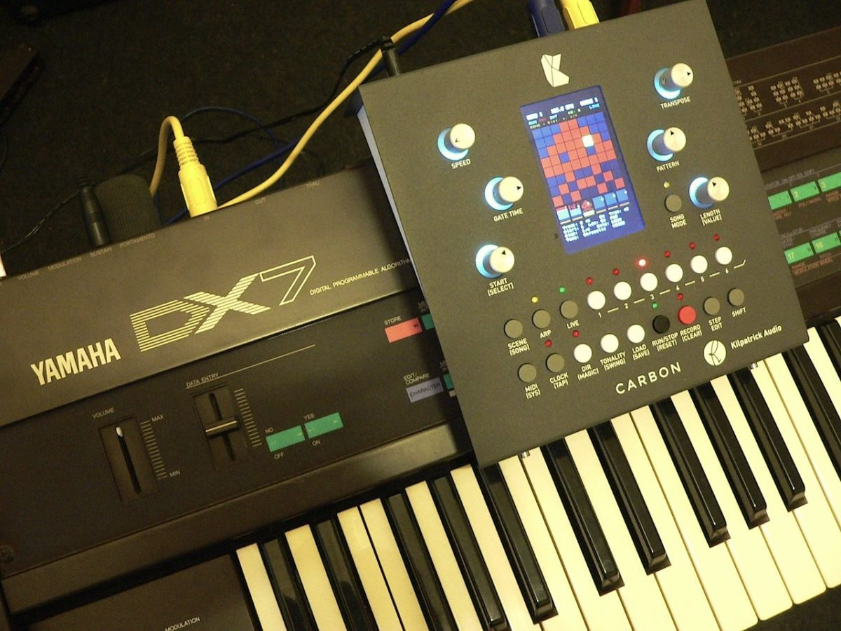 Kilpatrick Carbon mit Yamaha DX7