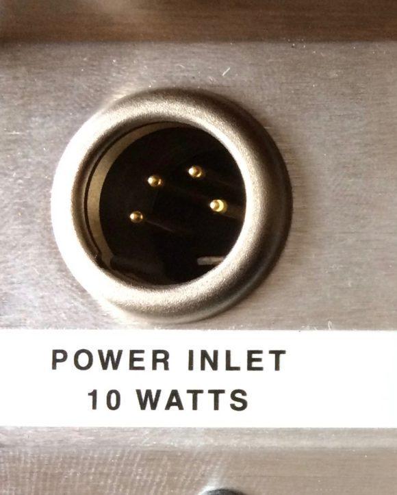 minimoog-reissue-test-pfeffer-powerbuchse-1