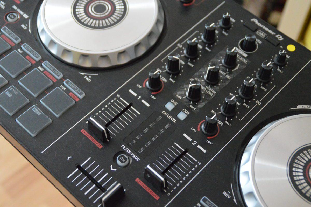 Pioneer DDJ SB2 - Mixersektion