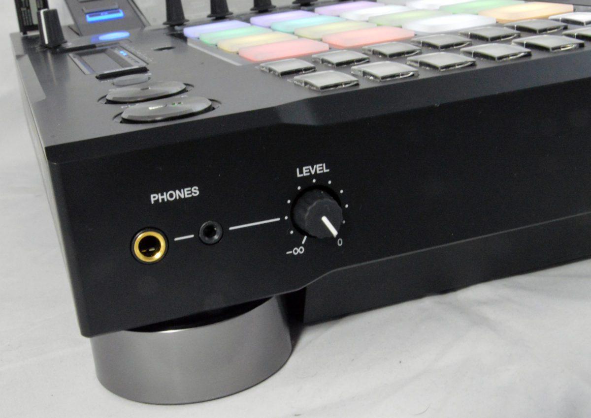 pioneer-djs-1000_phones