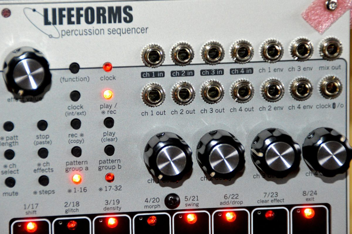 pittsburgh-modular-lifeforms-percussion-sequencer-ein-und-ausgaenge