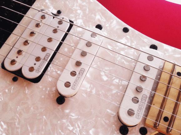 -- ESP designed Pickups auf dem Schlagbrett der ESP LTD SN-200FR Maple BCMS --