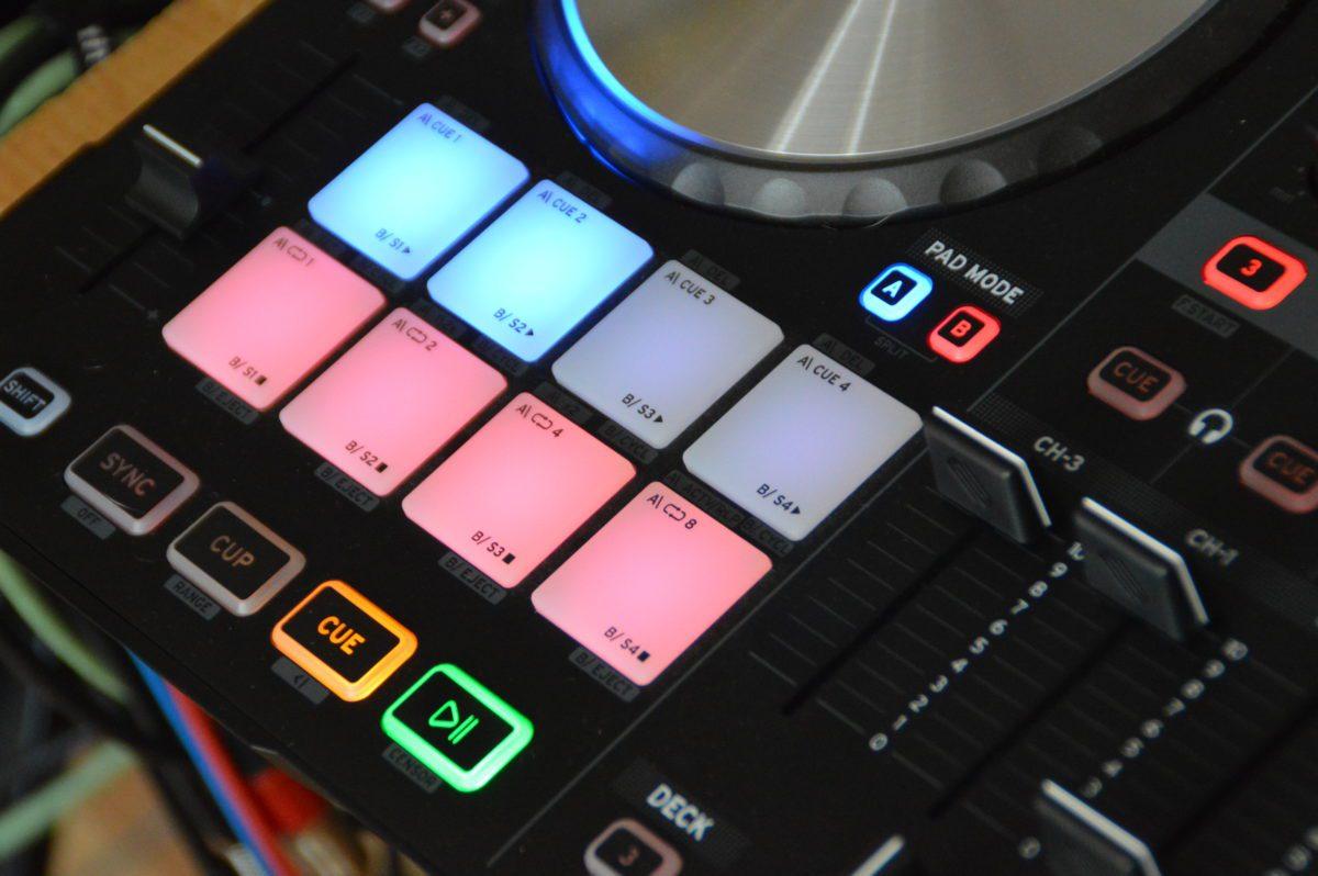 Reloop Beatmix 4 - der A-B-Pad-Mode