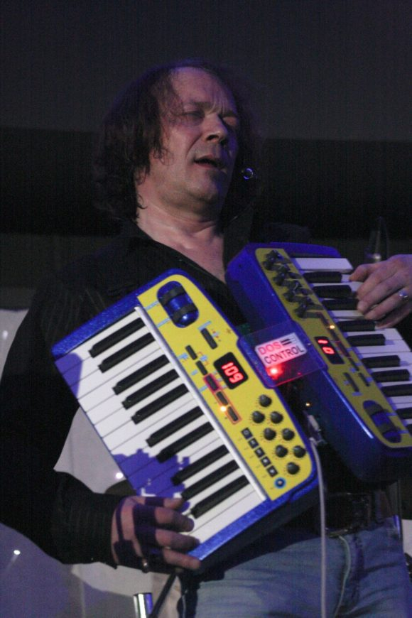 robert-schroeder-live-bochum-12-03-2011-05