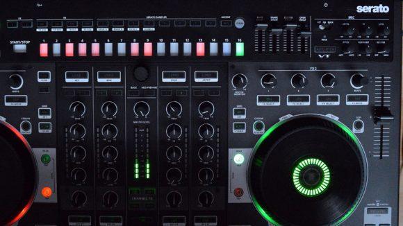 Die Roland DJ-808 TR-S Sektion - klicken zum Zoomen